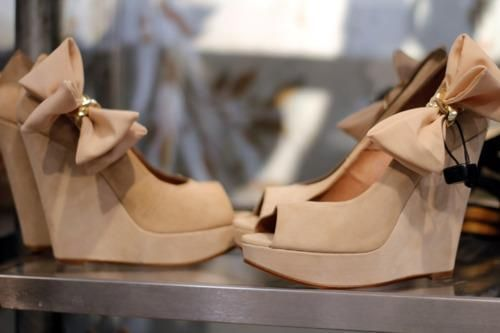 Cute heels for work, look comfortable!