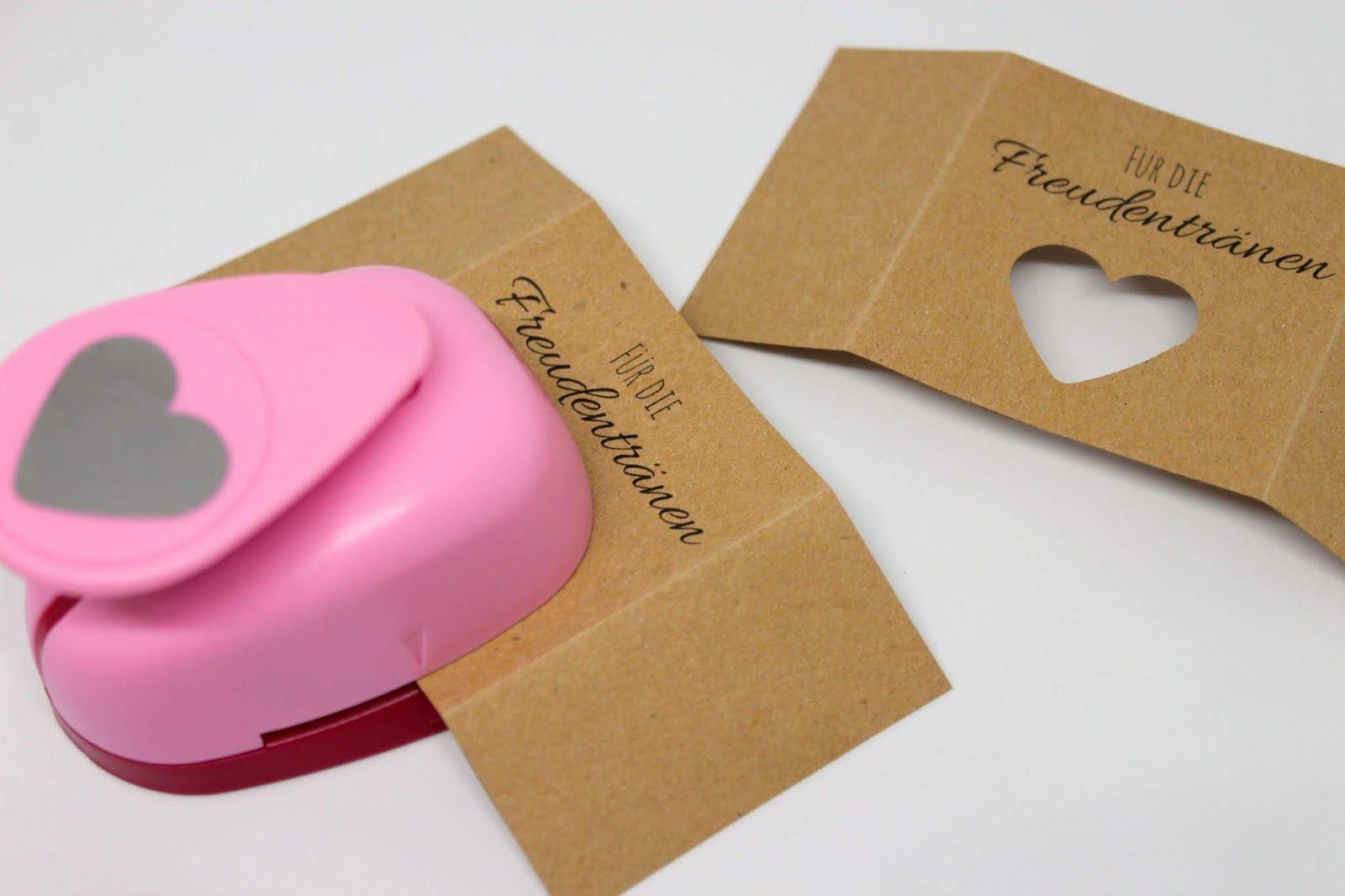 Photo of Machen Sie einfach DIY Taschentücher für Freudentränen für die Hochzeit selbst