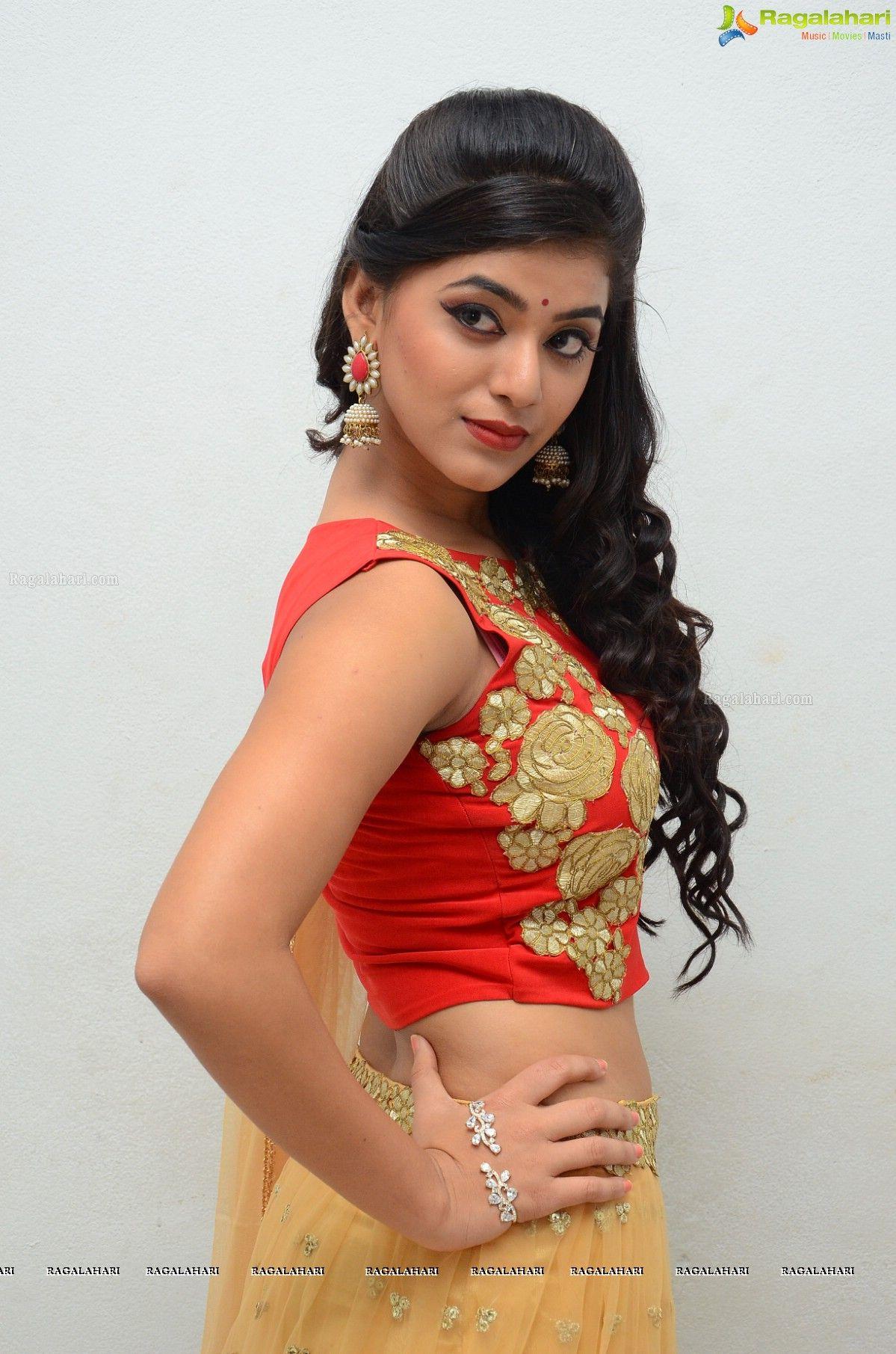 nude yamini bhaskar