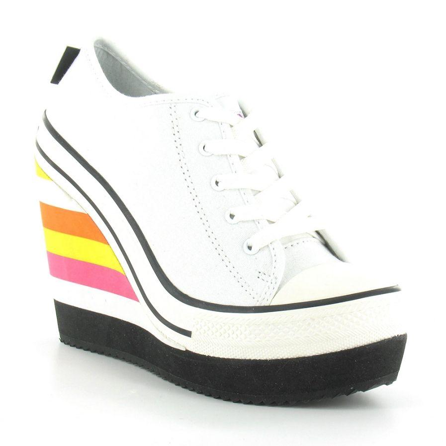 37aa233bdc30 Converse Wedge Heel Sneakers