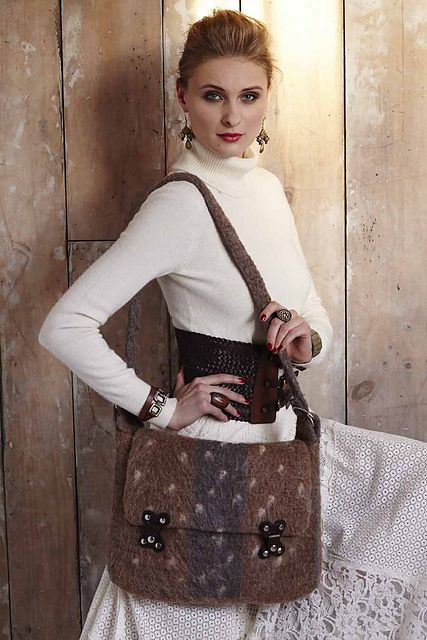 27 Felted Messenger Bag pattern by Janet Brani | Messenger