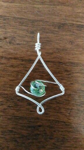 Orecchini/ ciondolo wire #orecchini #handmade #jewelry #verdeacqua #green #elfico #wire #ciondoli