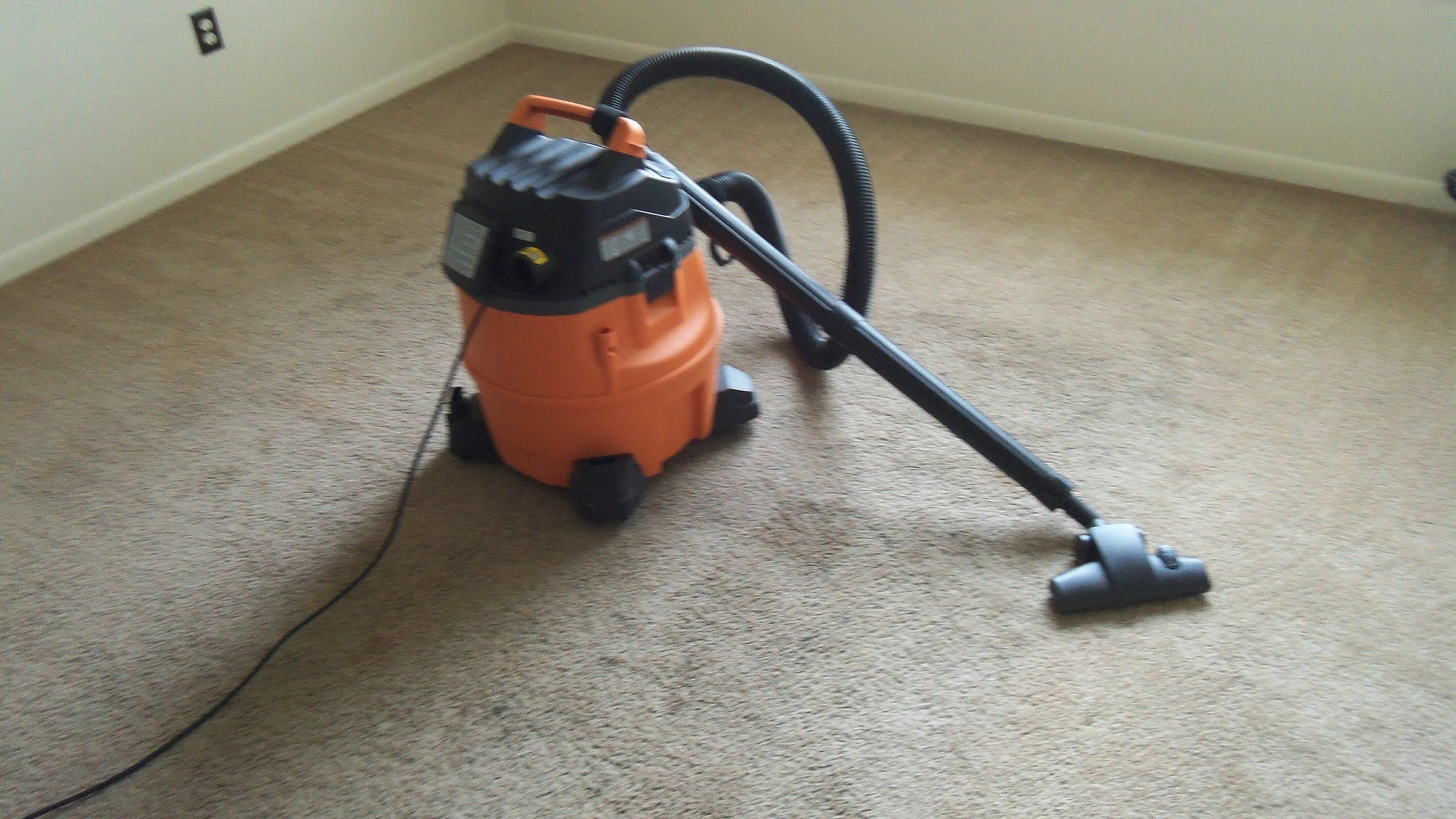 Ridgid WD1450 Wet/Dry Vac and Carpet and Hard Floor Nozzle