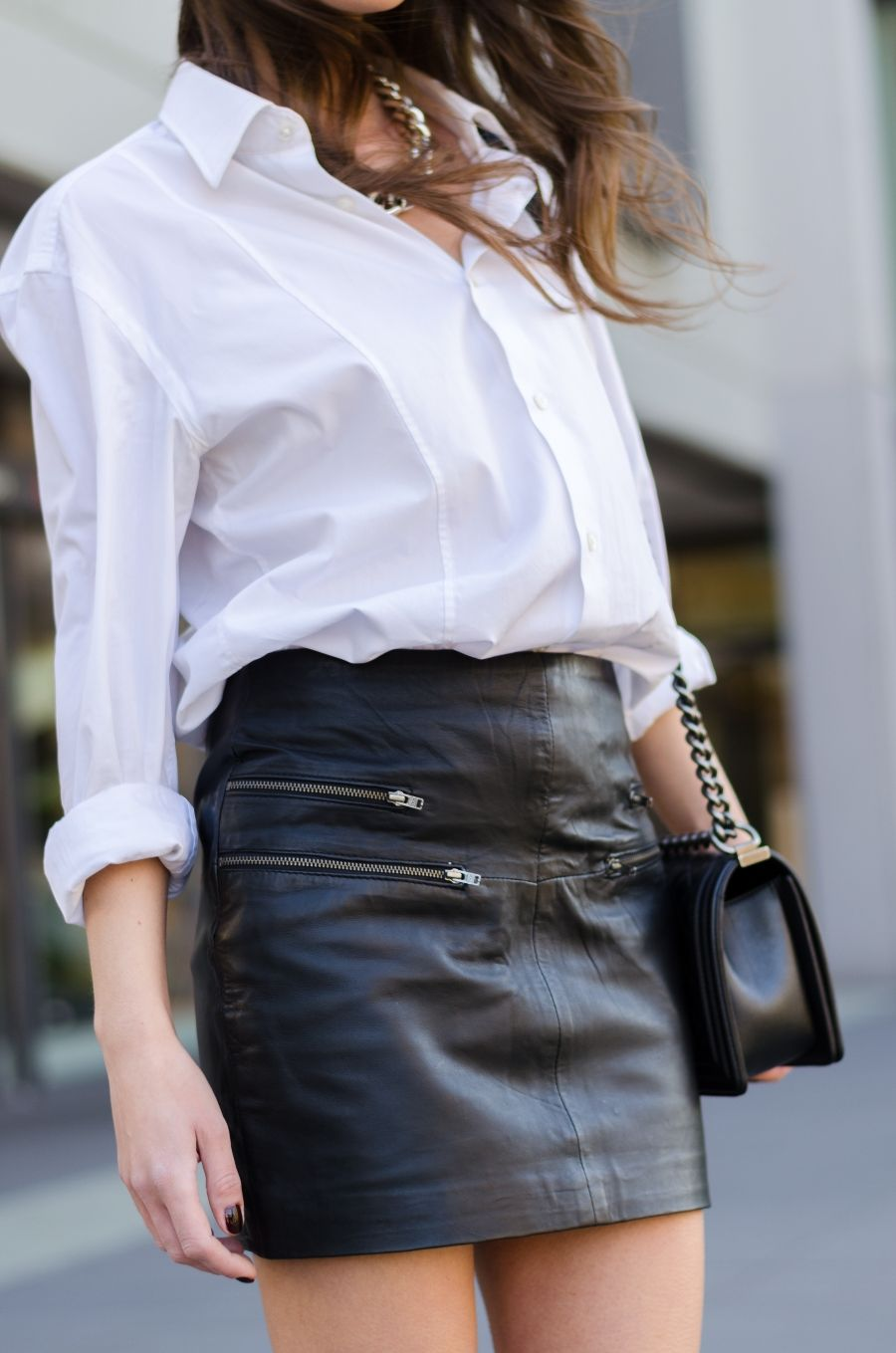Schwarzes Shirt Und Schwarze Haut