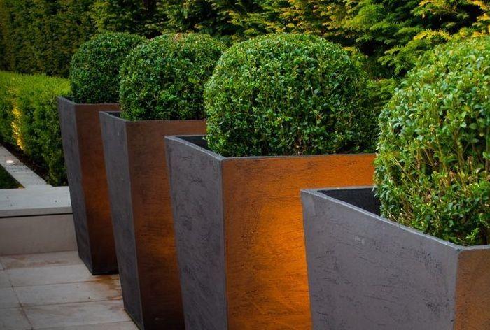 10 Easy Pieces Bronze Garden Planters Large Garden Planters