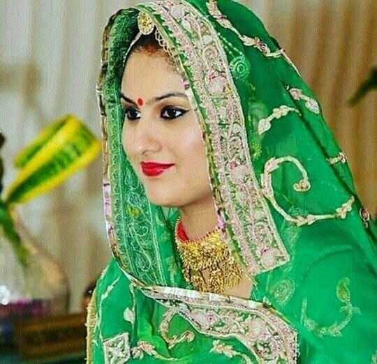 Pin By Ayu Sari On Ruchi Designs: #baisa #raj #hukam #green #poshak #proud #attitude