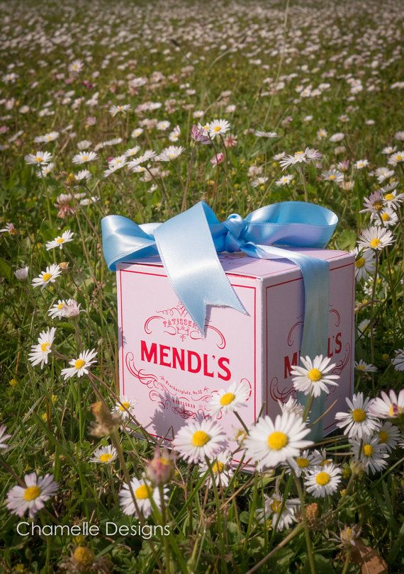 2 sizes: Mendl's Patisserie pink gift box from the  Wes Anderson film The Grand Budapest Hotel cupcakes, macarons, cookies, biscuits, sweets...  Please Email me to get the file(s) - chamelledesigns@gmail.com