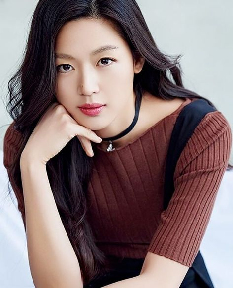 Top 10 Highest Paid Korean Actors Actresses Bestreviewy Com Jun Ji Hyun Fashion Actresses Korean Actresses