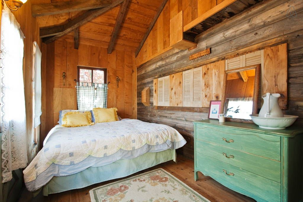 The Bunk House at Cow Track Ranch Bed & Breakfasts for