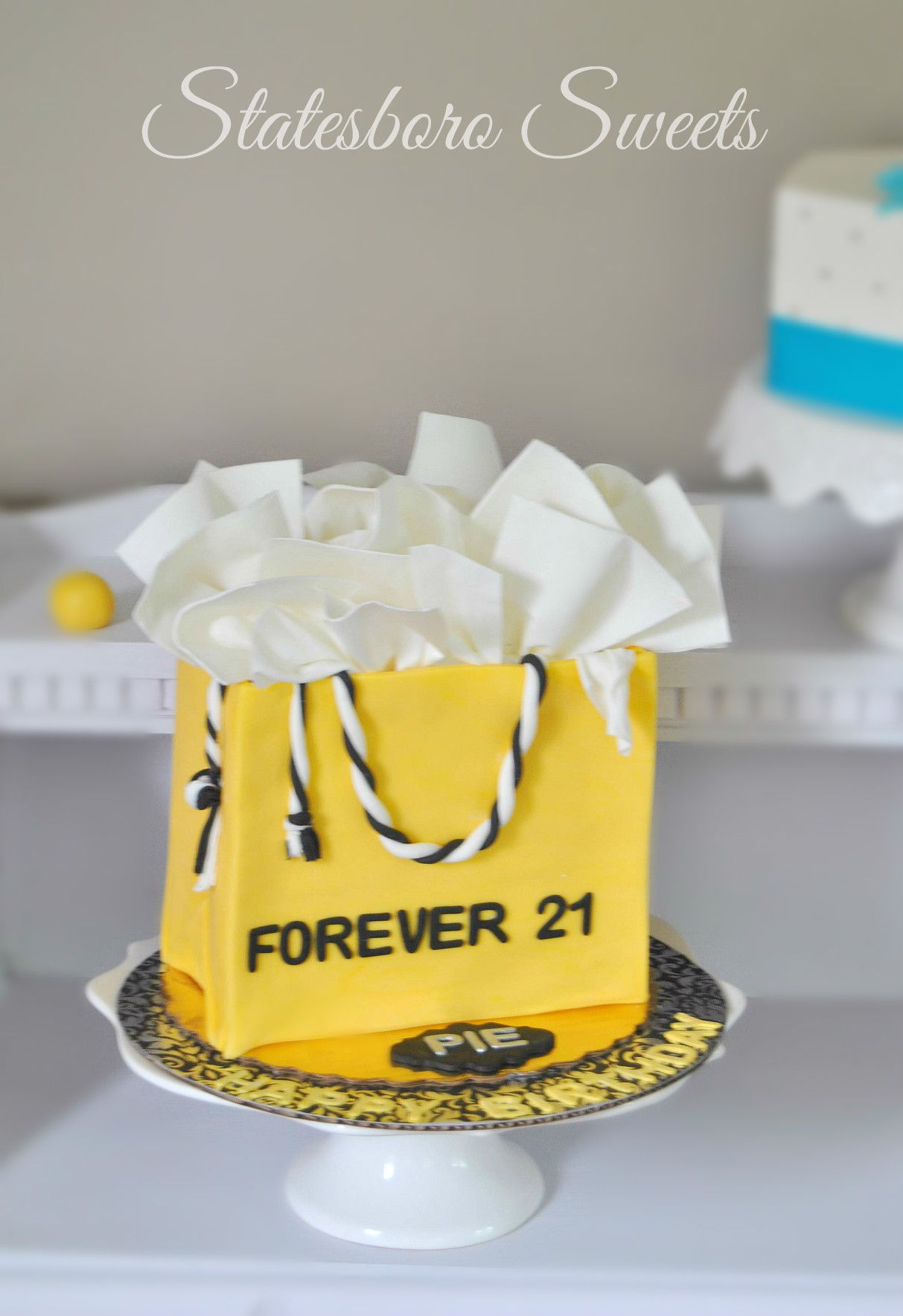 Gift Bag/Shopping Bag Cake With Fondant Tissue Paper