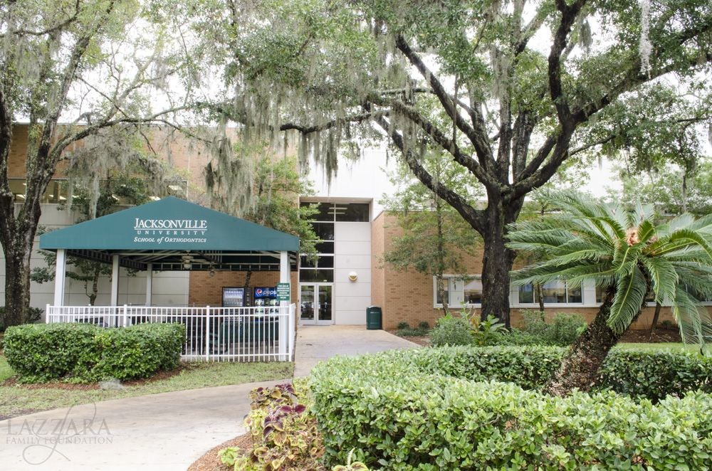 The Lazzara Health Science Center Funded By Dr Gasper Lazzara Is A Beautiful Facility Located At Jackson Jacksonville University Science Center Health Science