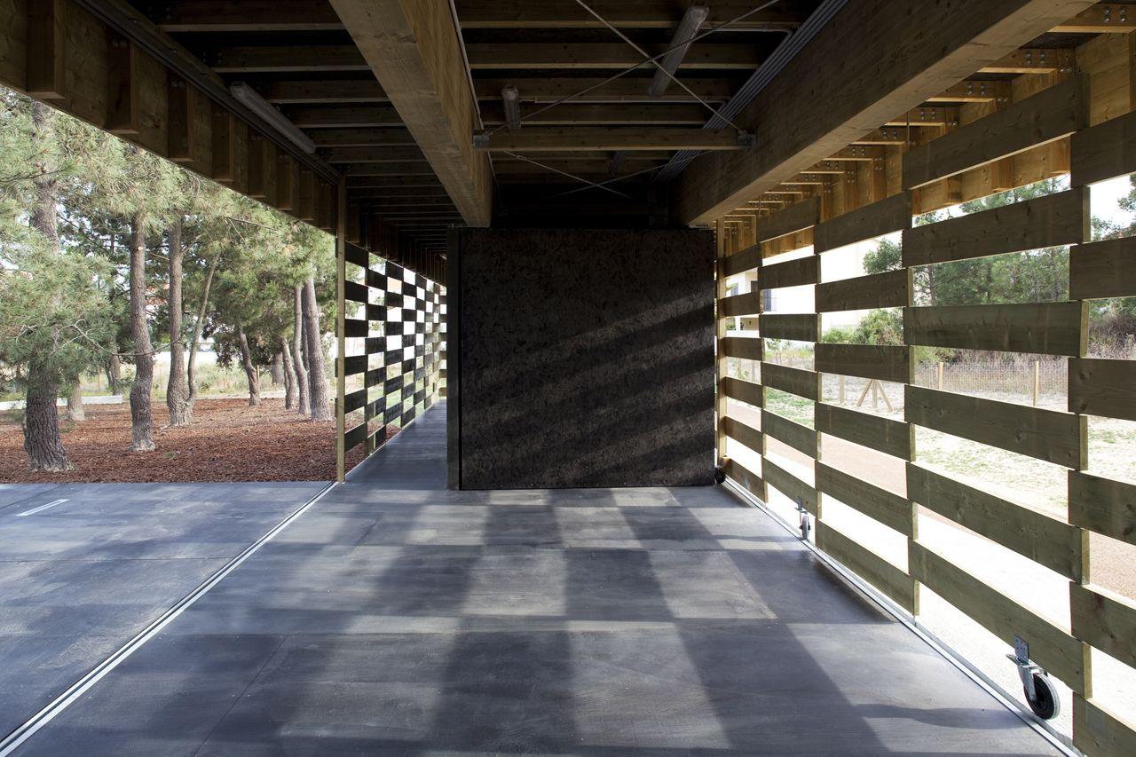 Pavilhão de apoio no Parque Aventura,© Leonardo Finotti