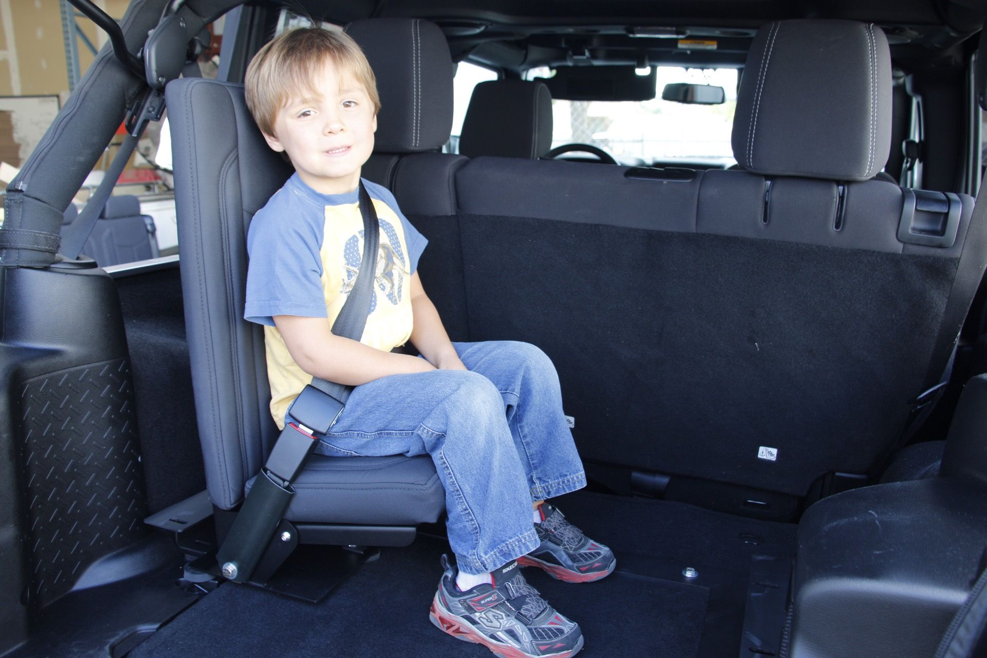 Add A Jump Seat To Your Jk Jk Doityourself Jeepwrangler