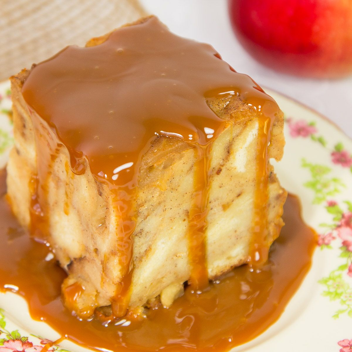 Apple Bread Pudding Crowd Brunch Sweet Bread Pudding Bread Pudding With Apples Apple Recipes