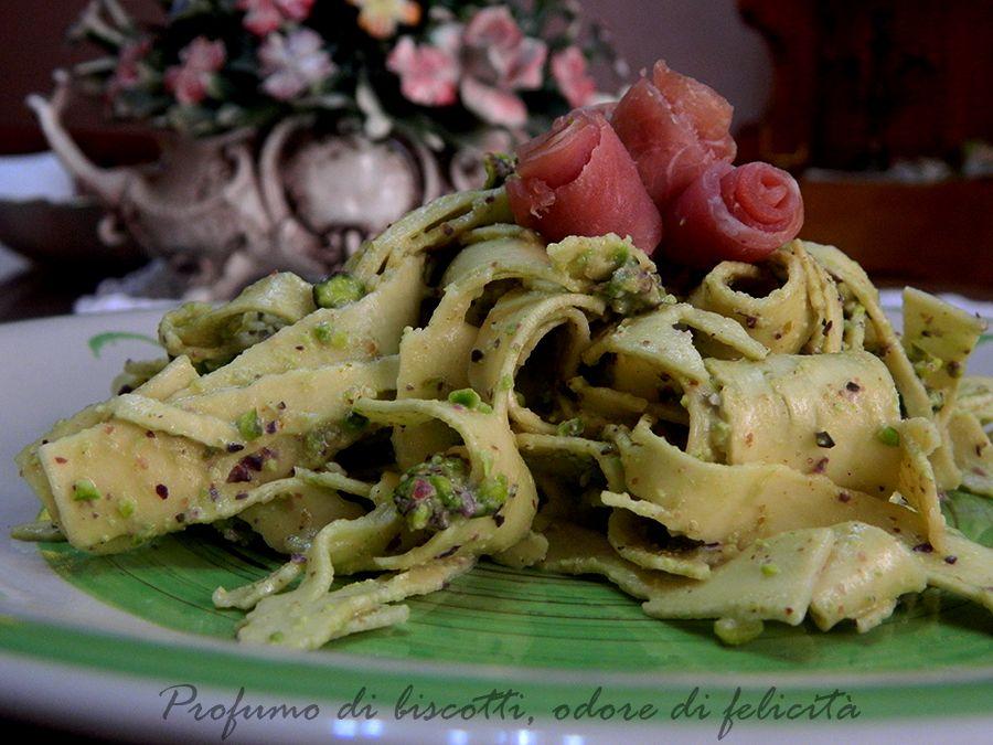 Maltagliati al pesto di pistacchio - senza panna