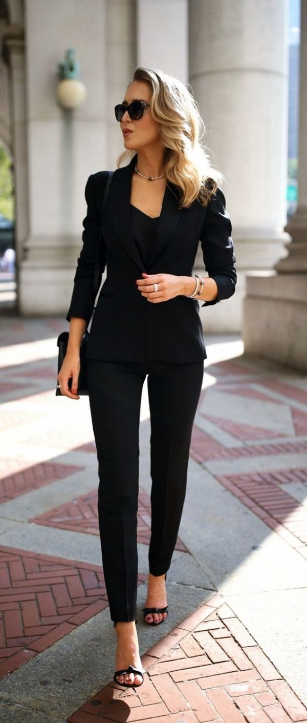45 Stylish Blazer Outfits for Business Women 2018 #womensworkoutfits