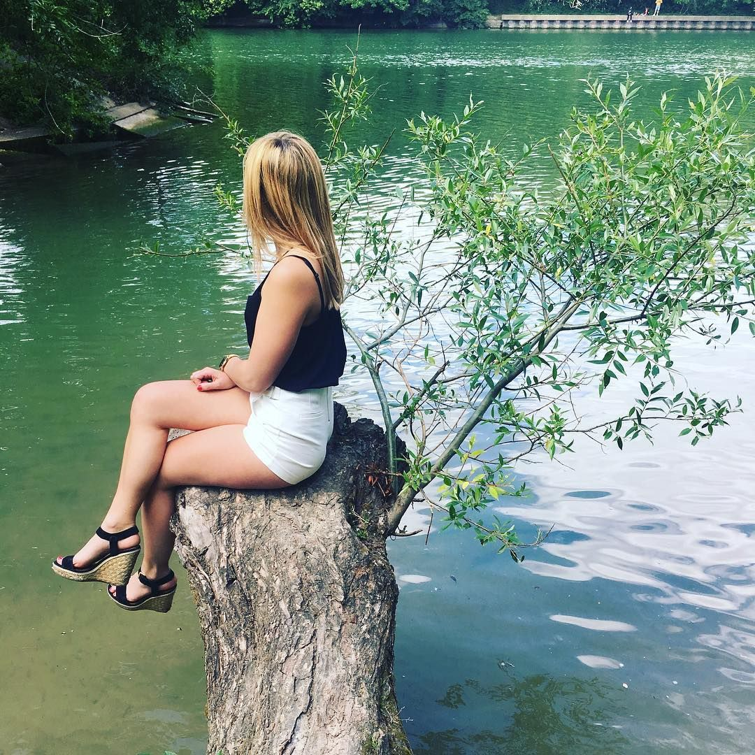 Spring is here ☀️�� #spring #printemps #girl #fille #woman #soleil #landscape #evasion #paris #parisienne #weekend #friends #love #riviere #river #borddemarne #repos #blusky #sun #evasion #beautiful #magnifique #jadore #tronc #rêveuse #pensive #dream #wanderlust #photo #photography http://tipsrazzi.com/ipost/1519871013063904835/?code=BUXqqI-Fk5D