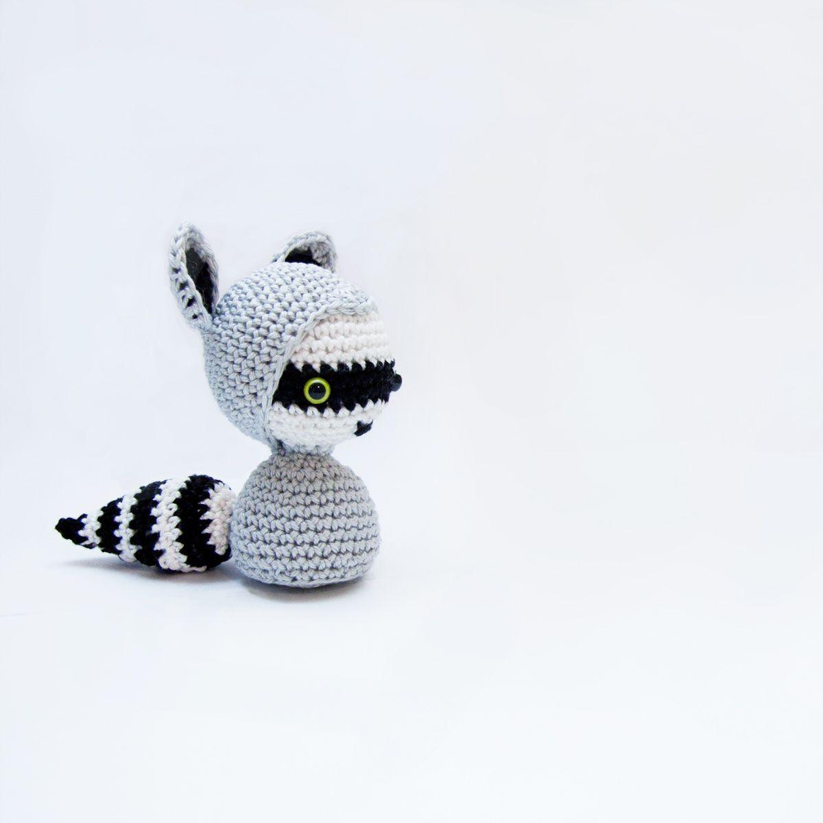 Free crochet pattern for tiny raccoon | Amigurumi | Pinterest ...