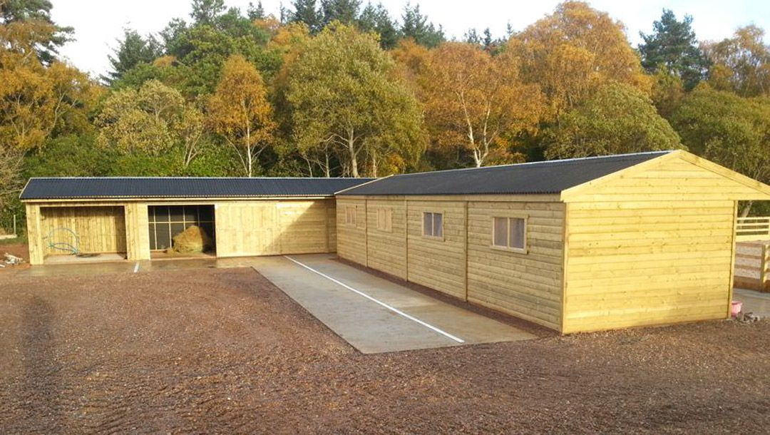 stabling garden sheds loose boxes perthshire scotland strathearn stabling