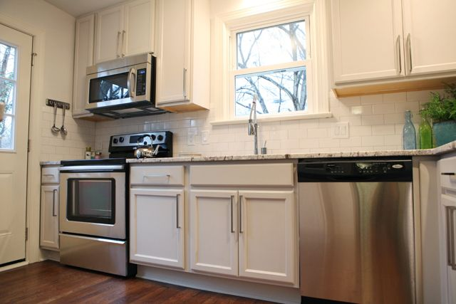 Teeny Kitchen 1950 S Blow Out Wall Gorgeous Granite Subway Tile And Modern Hardware Baystreetbungalows Kitchen Concepts Kitchen Remodel Kitchen Renovation