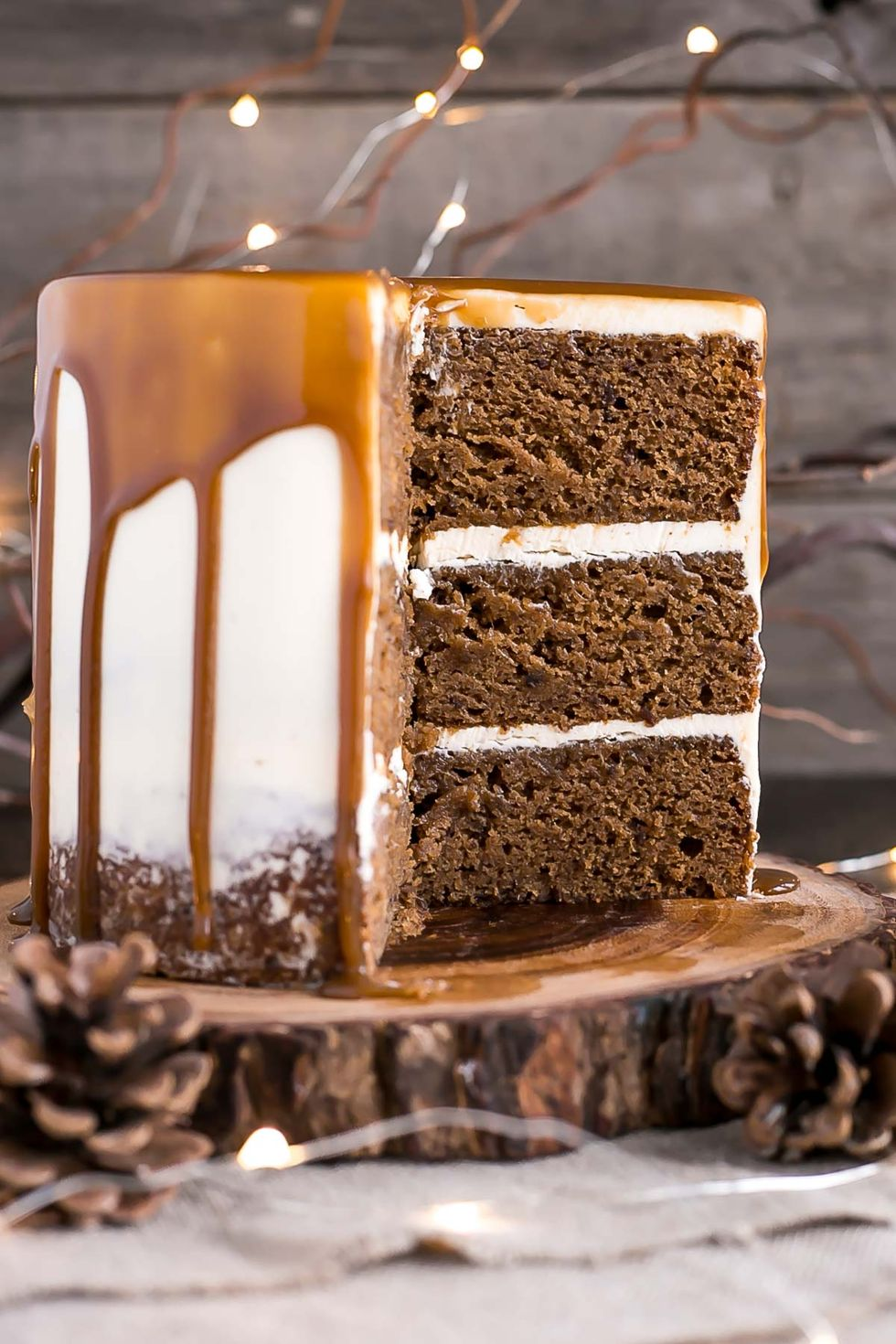 Photo of These Gorgeous Christmas Cakes Are Just What Your Holiday Dessert Spread Needs