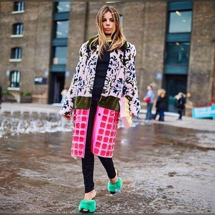 Off The Grid #fur #furcoat #marykatrantzou #ericapelosini #intarsia #patterndesign #patternonpattern #minkcoat #greenfur #fursandals #funfashion #springstyle #streetstyle #springfashion #ootd #keepitchic #globalstyle #furstyle #manoswartz #est1889
