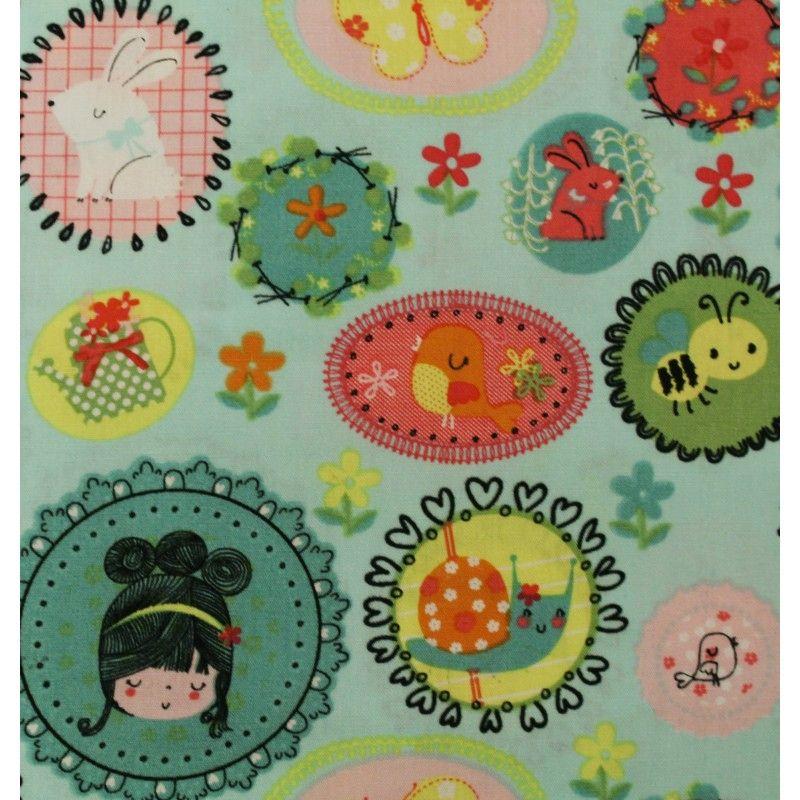 Tissu 100% coton motif kawaii sur fond bleu ciel vendu en coupon de 3 mètres