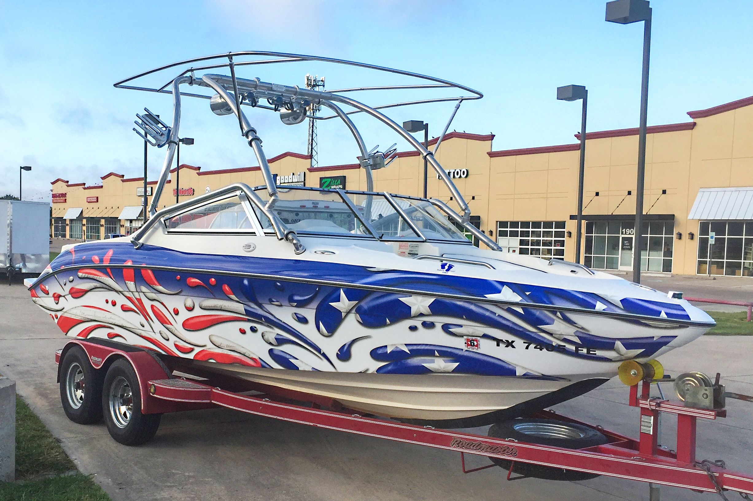 Stars and stripes splash boat