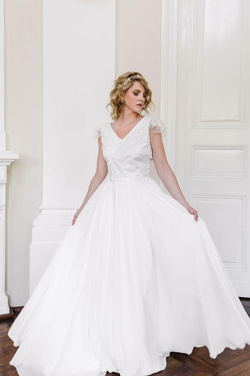 Sina Fischer Bridal Couture 2020 In 2020 Mit Bildern Kleid Hochzeit Brautkleid Brautmode