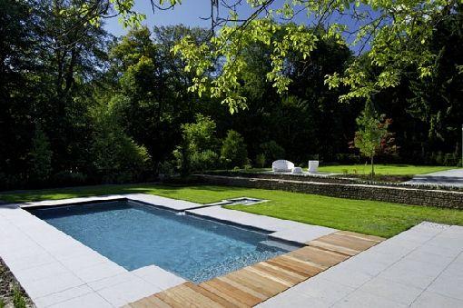 Fertigpool in Übergröße kombiniert Badespaß mit starkem Design