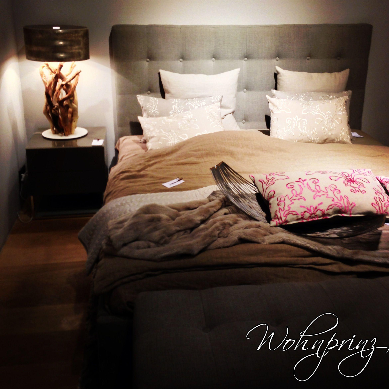 Schlafzimmer Bett gesehen in Hamburg Wohnprinz Bedroom