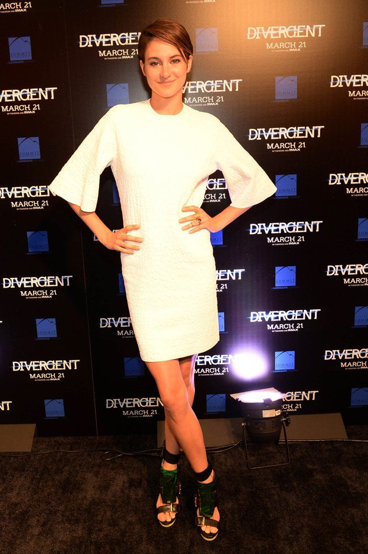 Pin for Later: There Is Zero Fault in Shailene Woodley's Red Carpet Résumé Shailene Woodley in Alexander McQueen at the 2014 Divergent Atlanta Screening Shailene amped up her embossed white sheath with statement sandals, both by Alexander McQueen.