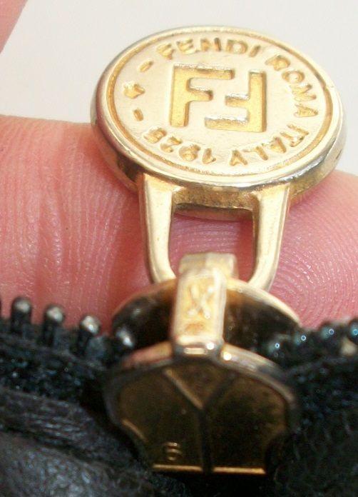 ef8fa313c75a Pin by AmandaRoses on ZIPPERS   Zipper pulls, Zipper, Zip puller