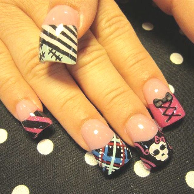 Monster High nails - @Susan Caron Caron Caron Sloan What do you think of these?!!