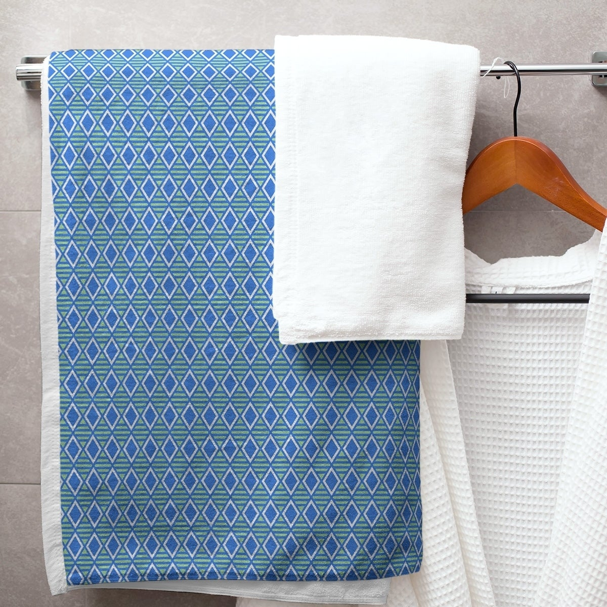 Two Color Geometric Diamonds Bath Towel 30 X 60 Patterned Bath