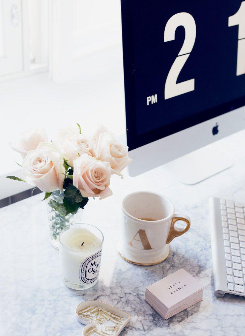 girl-boss-home-office