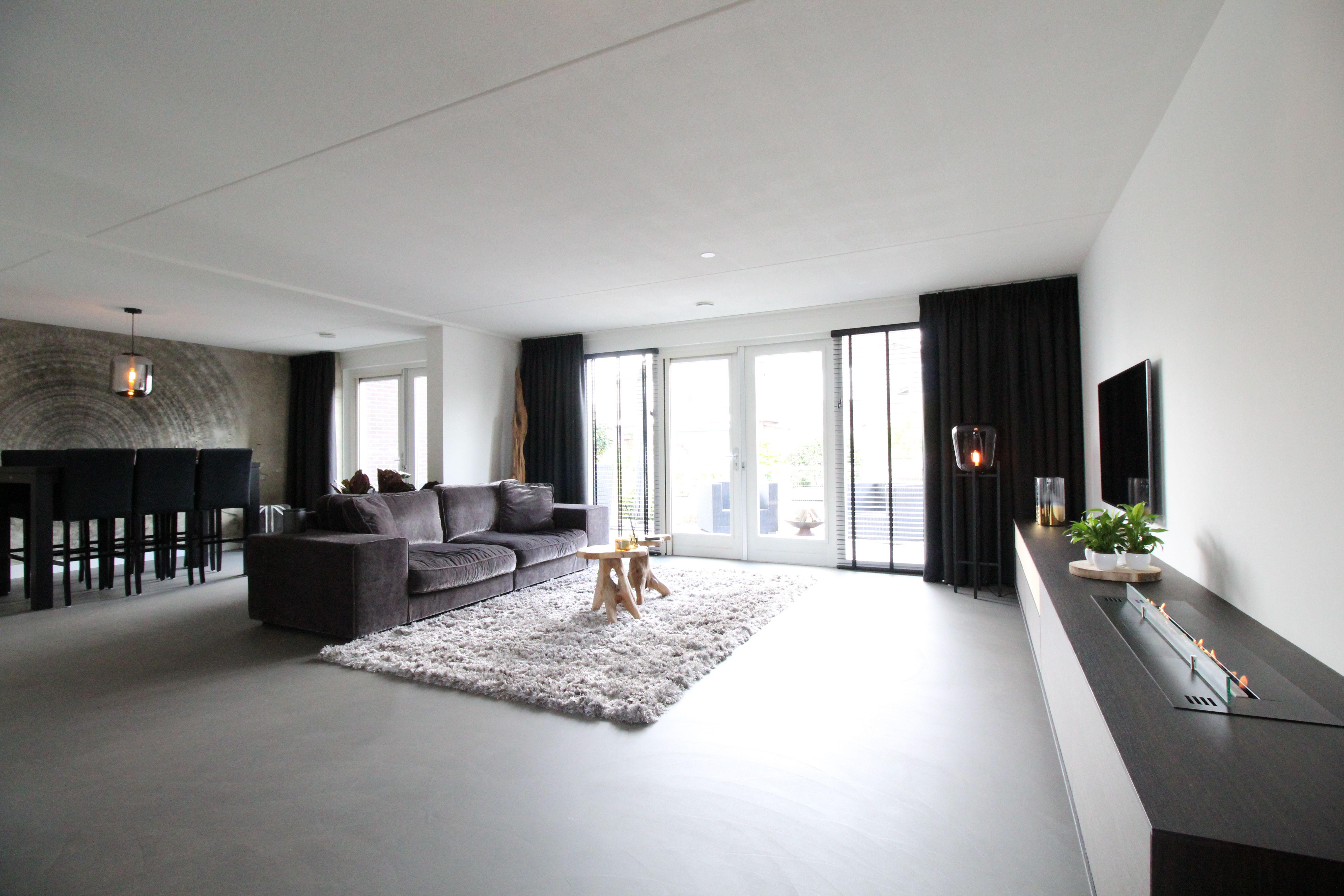 Exclusieve Gietvloer Woonkamer : Betonvloer met robuuste uitstraling in woonruimte motion