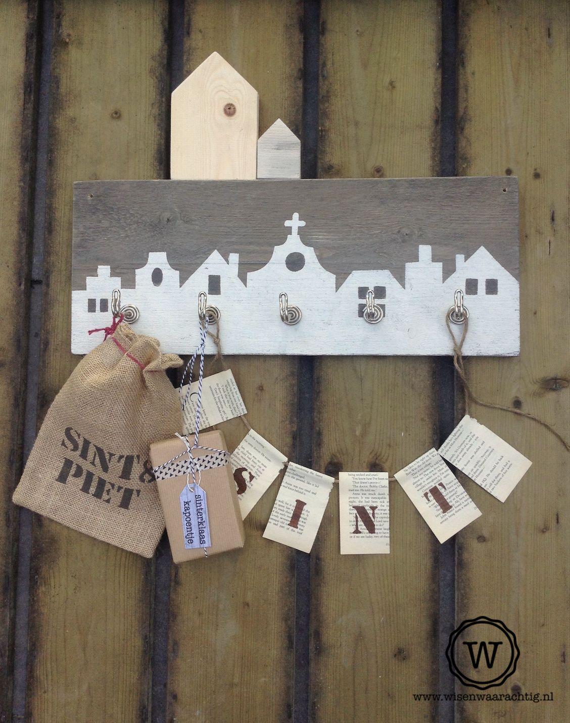 Stoere huisjeskapstok met sinterklaas decoratie for Huis maken surprise