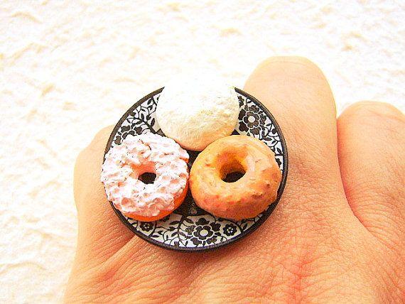 Kawaii Cute Japanese Ring Donuts Black Plate by
