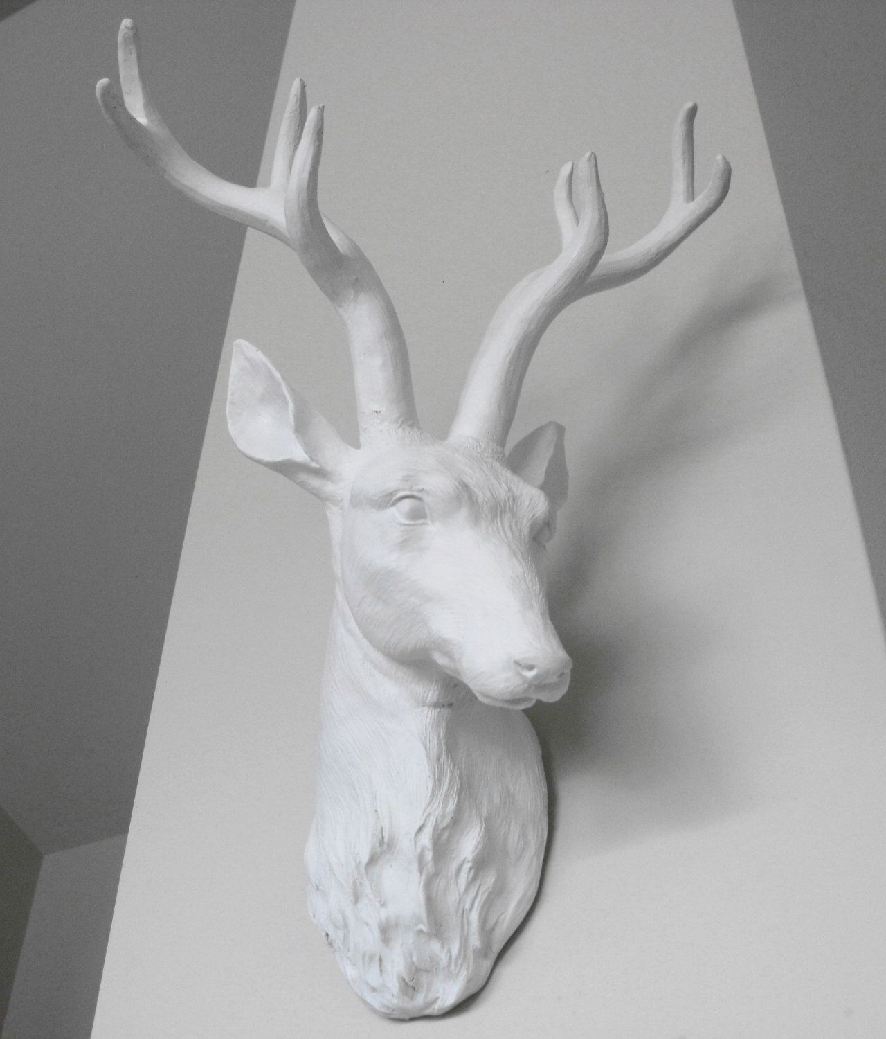 Snow White Deer Head Wall Mounted Stag Faux Taxidermy Fake Decor 79 00 Via Etsy