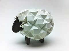 Oveja origami por Beth Johnson