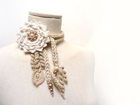 Gehäkelter Baumwolle Lariat Halskette - hell Beige / Sand, Blätter und Sahne…