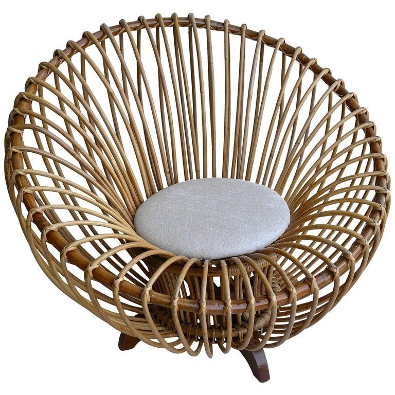 Elegant Round Bamboo Lounge Chair In