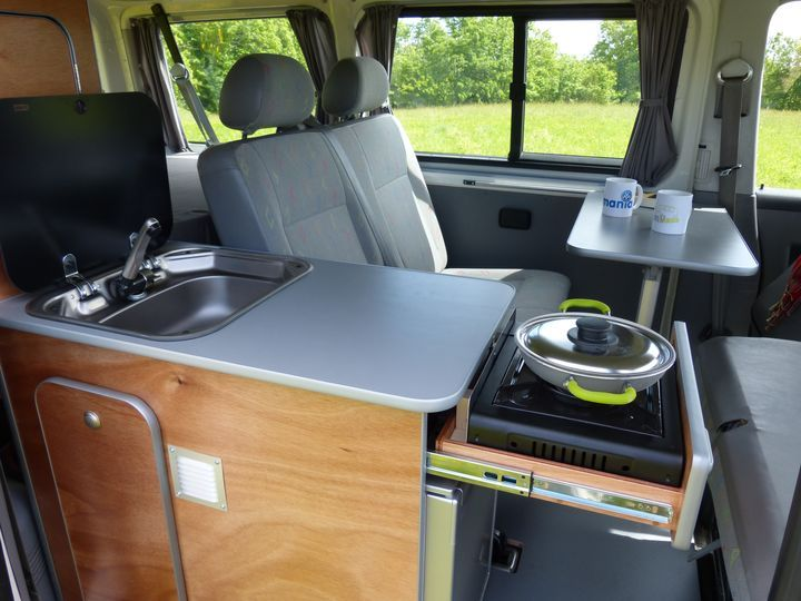 kit d 39 am nagement south van mania am nagement de fourgon camion amenag fourgon camping. Black Bedroom Furniture Sets. Home Design Ideas