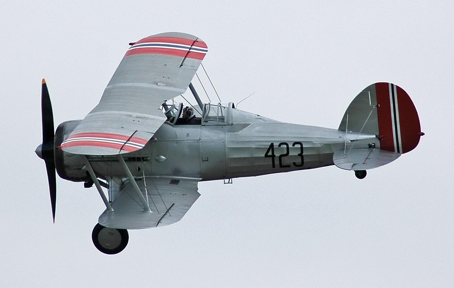 Le Gloster Gladiator (ou Gloster SS.37) est un avion de chasse biplan britannique de l'entre-deux-guerres. Il fut utilisé par la Royal Air Force (RAF) et la Fleet Air Arm (FAA) (version Sea Gladiator) et fut exporté dans de nombreuses forces armées fin des années 1930. Ce fut le dernier chasseur biplan de la RAF. Bien que souvent opposé à des ennemis plus redoutables au cours des premiers jours de la Seconde Guerre mondiale, il s'acquitta assez bien des combats.