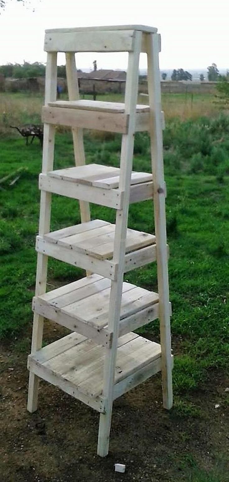 Free Standing Pallet Wall Shelves
