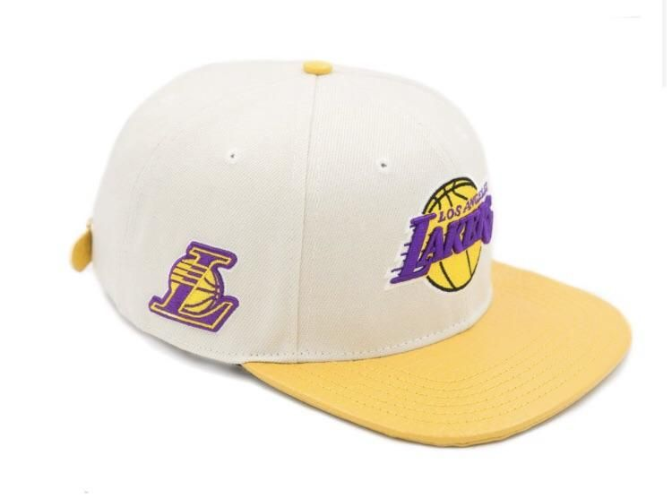 dbf518cfbe9 Pro Standard Los Angeles Lakers Strapback White NBA Hat – Sharpblends  Trends Nba Hats