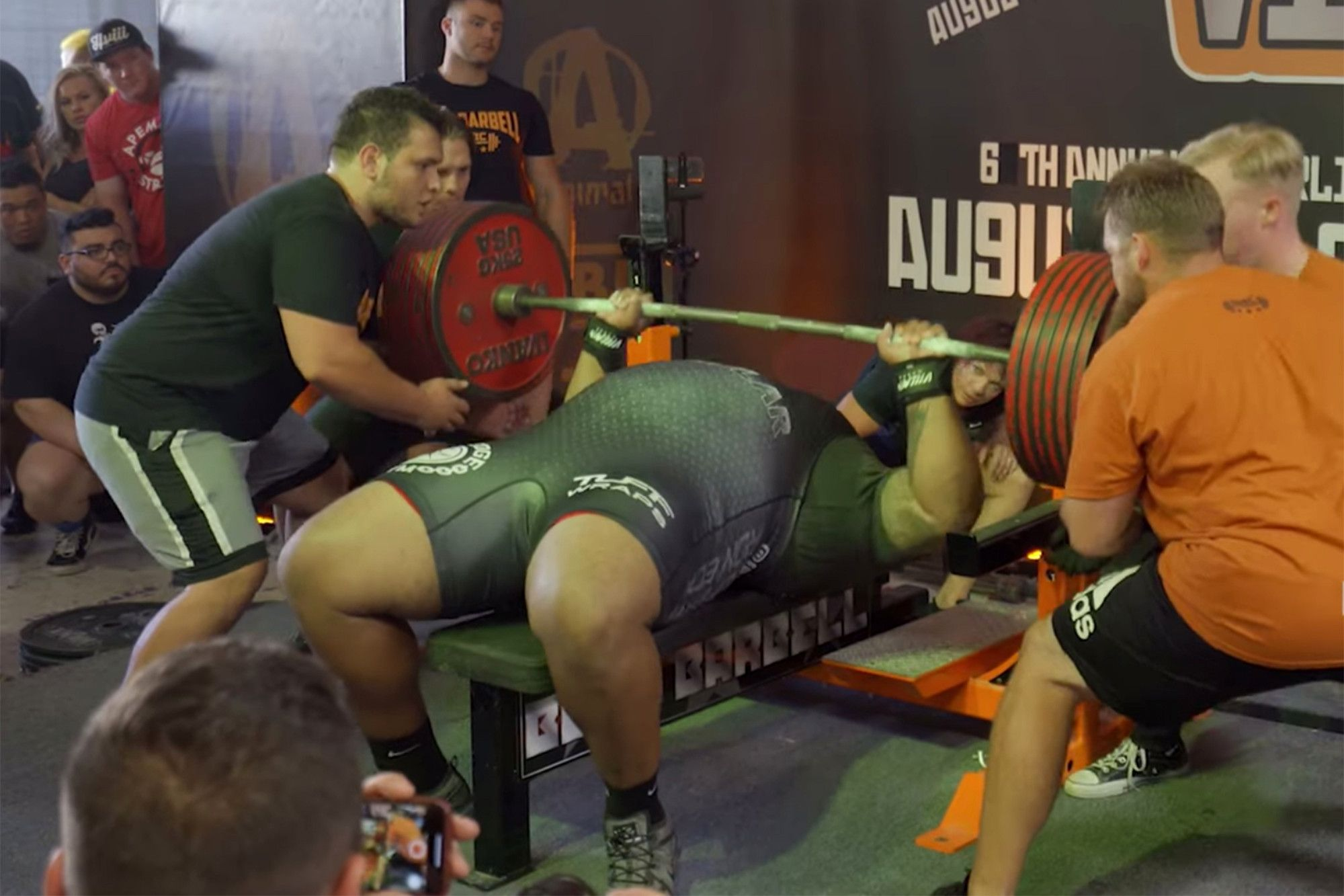 Massive Kentucky Man Breaks Bench Press World Record Video With Images Bench Press Pumping Iron World Records