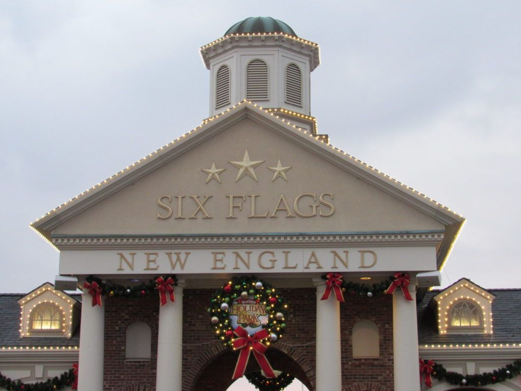 Six Flags New England Holiday In The Park Holidays In England Christmas In England Six Flags