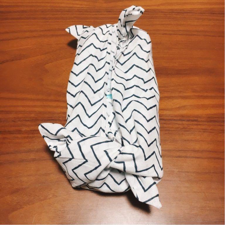 箱なしティッシュ用 手ぬぐいで縫わないティッシュカバーの作り方 白と色々 ティッシュカバー ティッシュ シェブロン